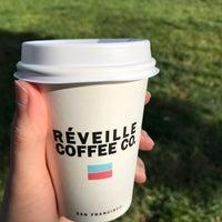 Foto tomada en Réveille Coffee Co. por Katie O. el 5/1/2018