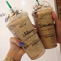รูปภาพถ่ายที่ Starbucks โดย Alicia E. เมื่อ 10/13/2015