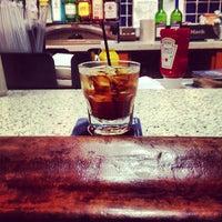 Foto diambil di Samuel Adams Atlanta Brew House oleh Quinton C. pada 4/18/2013