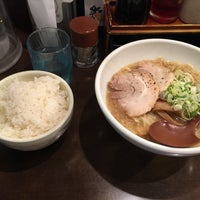 Photo taken at よってこや 新宿南口店 by あっぷる パ. on 2/23/2018
