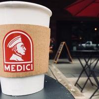 รูปภาพถ่ายที่ Caffé Medici โดย Jay H. เมื่อ 9/23/2018