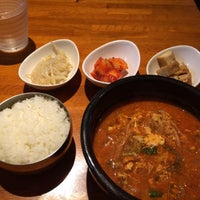 Foto tomada en 韓国家庭料理 さらん房 por Maki T. el 9/28/2015