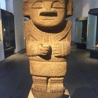 Foto tirada no(a) Museo Chileno de Arte Precolombino por Handan B. em 1/17/2018
