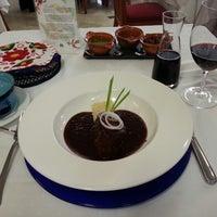 Foto tomada en Restaurante Nicos por Jose E. el 6/13/2013