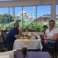 6/3/2018 tarihinde Meltem S.ziyaretçi tarafından Darüssaade İstanbul Hotel & Cafe'de çekilen fotoğraf