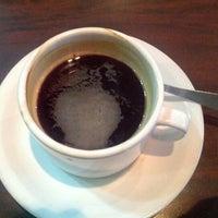 Foto tomada en Tienda de Café por Timothy C. el 11/18/2012
