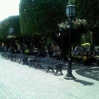 Foto tomada en Jardín Allende por Dannie T. el 5/17/2013
