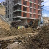 Photo taken at Yeşilyurt İMKB Anadolu Ticaret Meslek Lisesi by Hamza D. on 6/21/2017