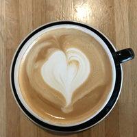 Foto tirada no(a) Vesta Coffee Roasters por Terri E. em 1/8/2018