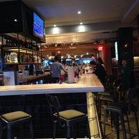 Foto tomada en Grub Burger Bar por Dale P. el 12/21/2013