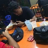 Photo taken at Restoran Fazlina Maju by apokang on 3/1/2017