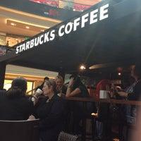 Снимок сделан в Starbucks пользователем Valeriya I. 4/20/2013