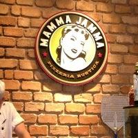 Foto tirada no(a) Mamma Jamma por Carolina E. em 11/17/2012
