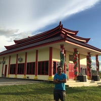 Photo taken at Vihara Bukit Naga Mamuju by Tony T. on 4/1/2016