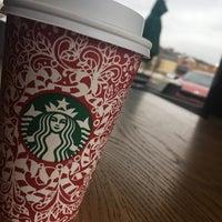 Photo taken at Starbucks by Hessa🐥 A. on 11/27/2016