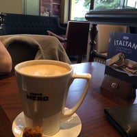4/1/2014 tarihinde Baris B.ziyaretçi tarafından Caffé Nero'de çekilen fotoğraf