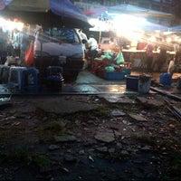 Photo taken at Pasar Malam Tmn Sri Sentosa by Chord •. on 3/28/2013