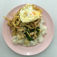 Photo taken at นายล้านอาหารตามสั่ง by Nares V. on 7/11/2016