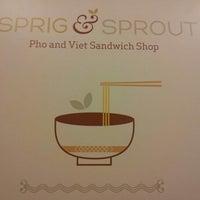 Foto scattata a Sprig & Sprout da Daniel L. il 12/30/2012