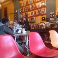 Das Foto wurde bei Songbyrd Record Cafe von Daniel L. am 12/30/2016 aufgenommen