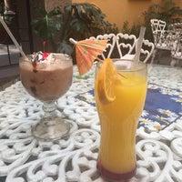Foto tirada no(a) Sor Juana Café por Nat G. em 3/17/2017
