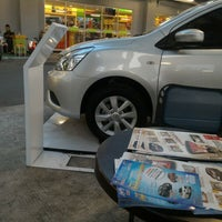 Photo taken at Giant Hypermart by Rizqy K. on 10/20/2015