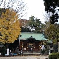 Photo taken at 世田谷区 名木百選 玉川神社のクスノキ by nomu_119117 n. on 11/26/2017