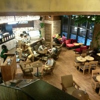 Photo taken at ZOO COFFEE by Yoorim P. on 8/31/2013