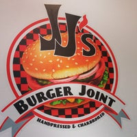Photo taken at JJ's Burger Joint by Brien B. on 9/27/2014
