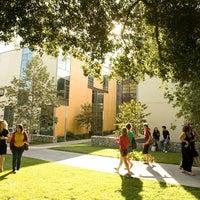 Photo taken at Claremont McKenna College by Greatist on 9/26/2014