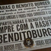 Foto tirada no(a) Bendito Burger por Marcio H. em 9/26/2015