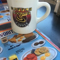 Photo taken at Waffle House by Neslihan A. on 8/13/2016