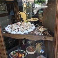 Foto scattata a I dolci di Nonna Vincenza da Jeanette M. il 6/27/2018