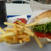 Photo taken at Estrela by Raul E. on 12/7/2012
