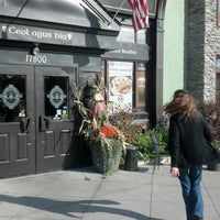Foto tirada no(a) Claddagh Irish Pub por Ryan H. em 10/1/2012