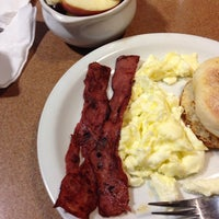Photo taken at Denny's by Nicole 🌴🐚🌺 G. on 12/10/2013