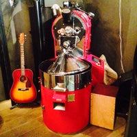 รูปภาพถ่ายที่ Two Cups Coffee โดย Travel D. เมื่อ 8/11/2015