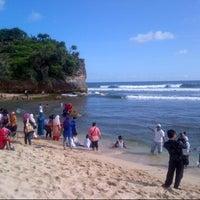 Photo taken at Pantai Indrayanti by Riyanto on 3/23/2013