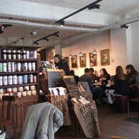 Photo prise au Starbucks Coffee par Grigory T. le4/2/2013
