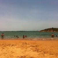Photo taken at Praia da Direita by Alyne R. on 12/8/2012
