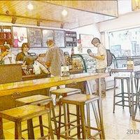 Photo taken at Starbucks by Martin D. on 1/29/2013