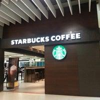 Foto tirada no(a) Starbucks por João Evaristo em 10/7/2013