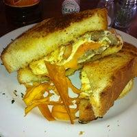 รูปภาพถ่ายที่ Rico's Café Zona Dorada โดย Angel M. เมื่อ 10/29/2012