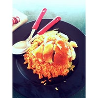 Photo taken at Jefri The Original Botak Chicken Rice by Nat S. on 10/28/2013