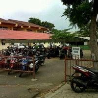Photo taken at Parkiran Hukum Unila by lulu a. on 12/1/2012