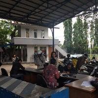Foto tomada en SAMSAT Bandung Timur por Widya P. el 12/21/2017