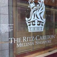 Photo taken at The Ritz-Carlton Millenia Singapore by ✈✈ Mhmtali. ✈✈ on 11/14/2013