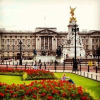 Photo taken at Buckingham Palace by Mhmtali on 5/29/2013
