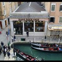 Photo taken at Hard Rock Cafe Venice by Mhmtali on 1/18/2015