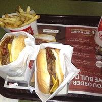 Foto tomada en Wendy's por Greyner S. el 10/26/2012